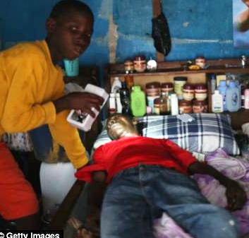 La prueba absoluta del uso de Actores Crisis en Ebola Hoax | NODISINFO